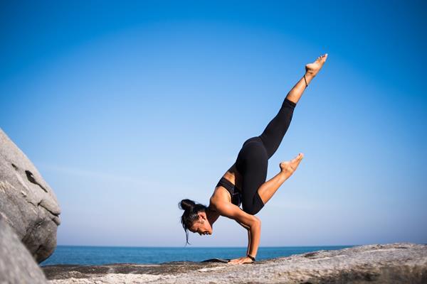 6 ćwiczeń na płaski brzuch i smukłą talię